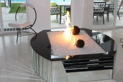 Palm_Springs_Indoor_Fire_Pit.jpg