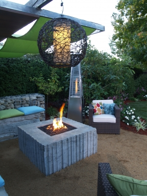 Yard Crashers Fire pit with fireglass