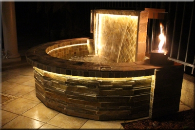 Portolo Water Feature With Fire